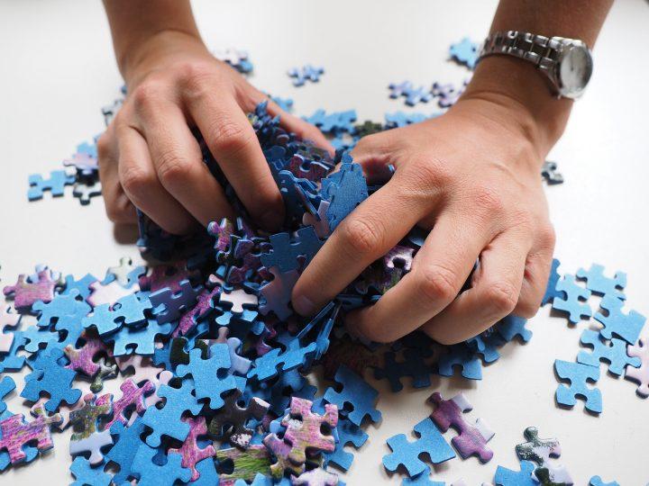 Puzzle, Hands